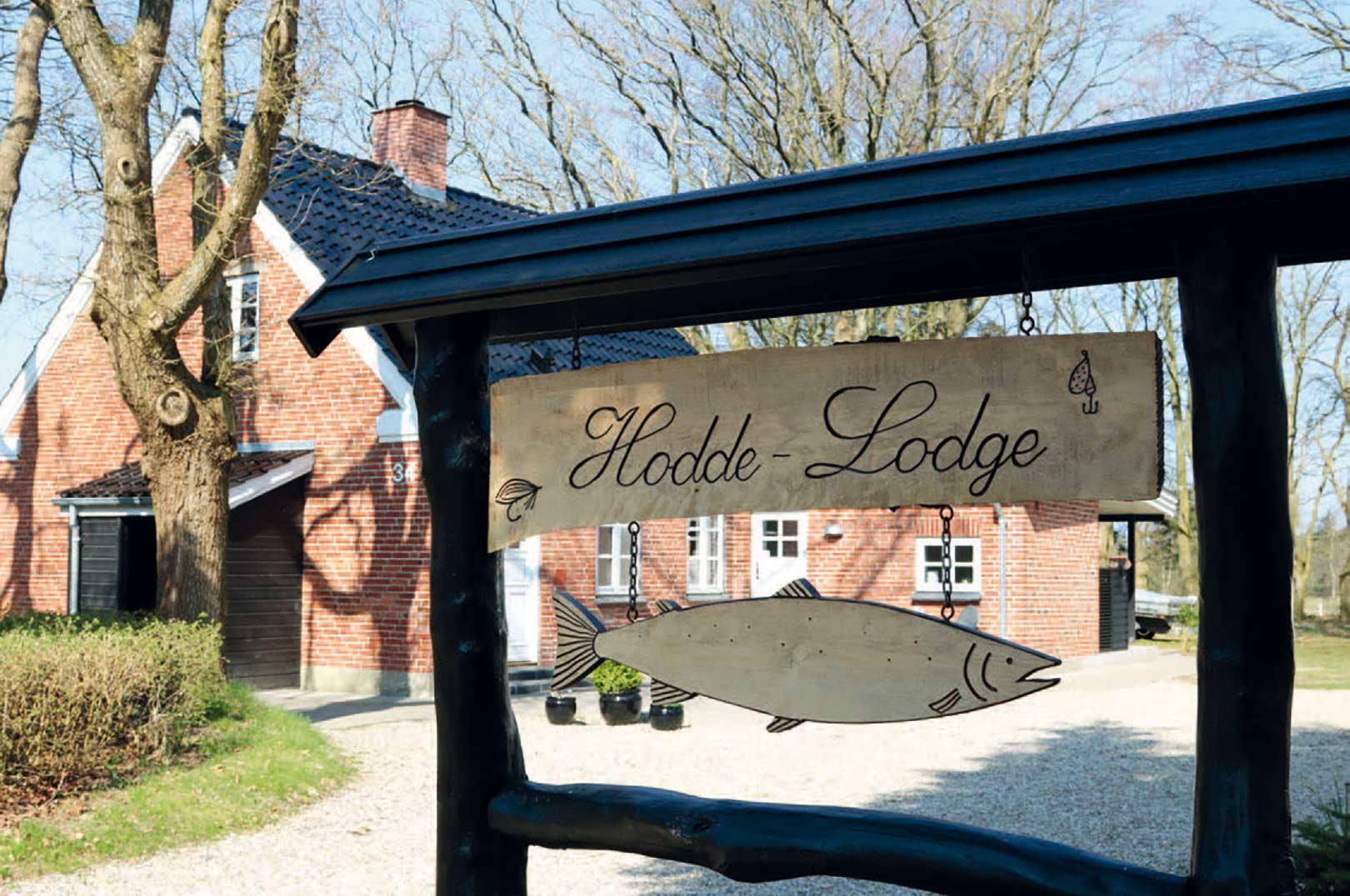 Hodde Lodge ligger midt i smørhullet ved zone 2 med kort vej til Ansager-, Grindsted og Holme Å.