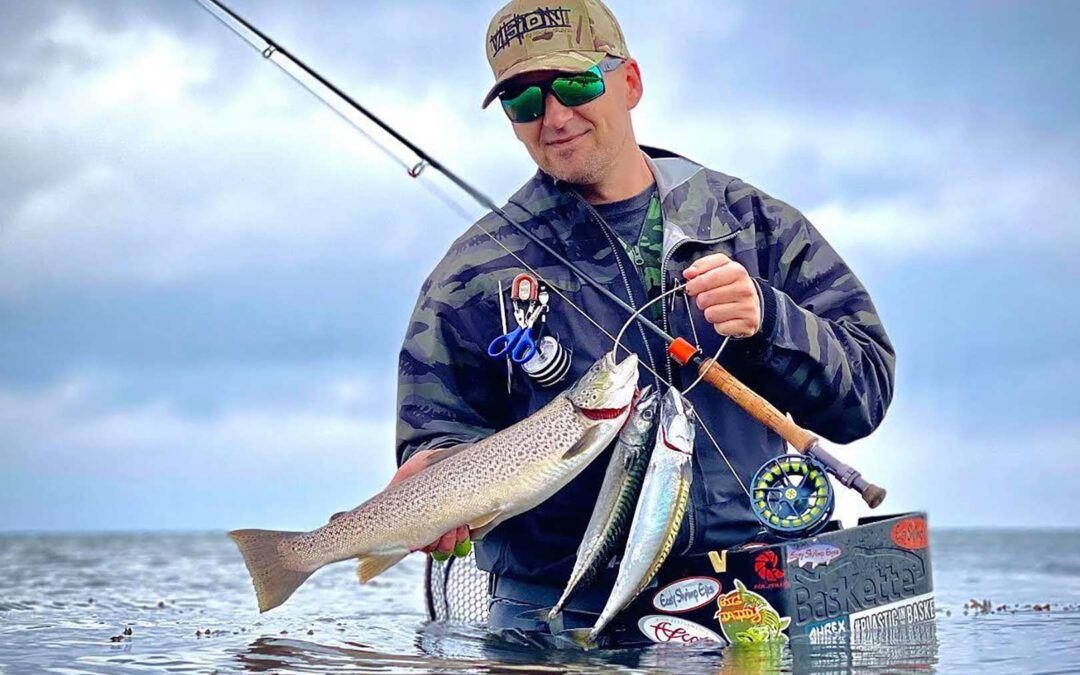 Erik Petersen med en fin blandet fangst med makrel og havørred fra Isefjorden
