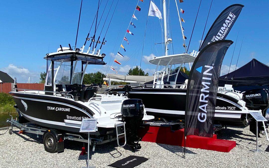 Eastside Både udstiller tre fuld riggedde både, der er udstyret med Garmin marinelektronik