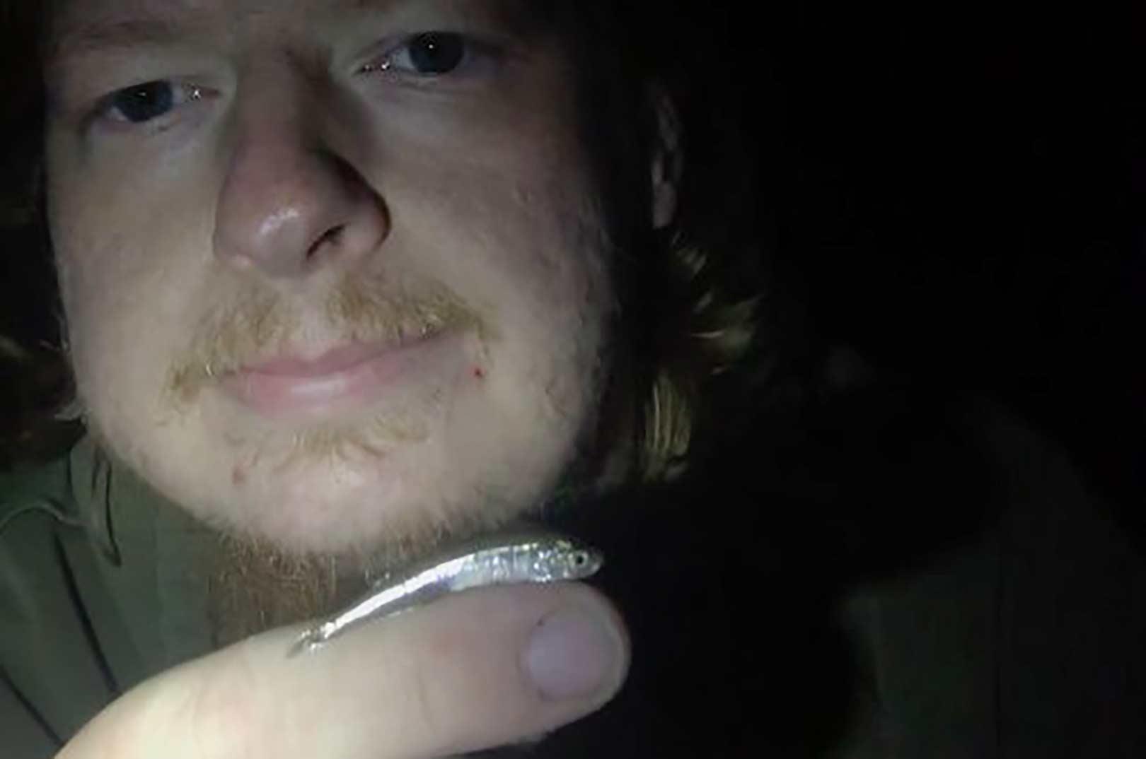 Mark Hemmingsen med Danmarks måske første stangfangede stribefiski